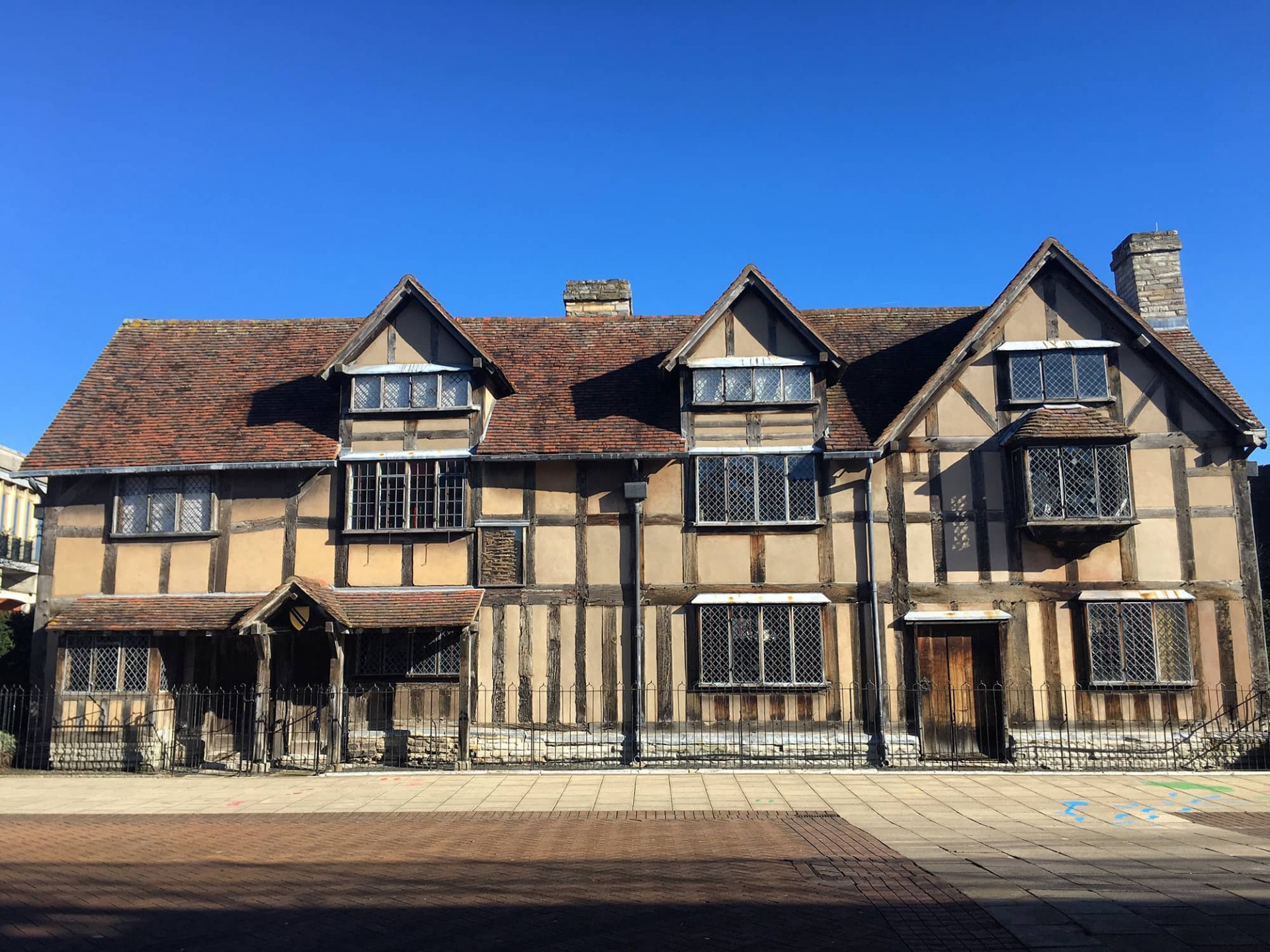 Shakespeare's birthplace, exterior